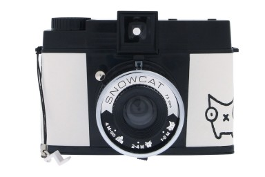 Diana F+ Snow Cat