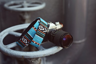 iMo Indian Blanket Camera Strap