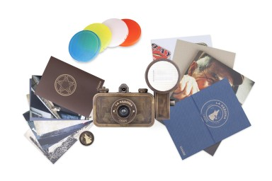 La Sardina Camera and Flash Coyote