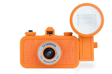 La Sardina Camera and Flash Orinoco Ochre